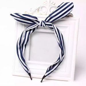 Stripe knotted headband